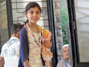 Syrisches Mädchen in Notunterkunft